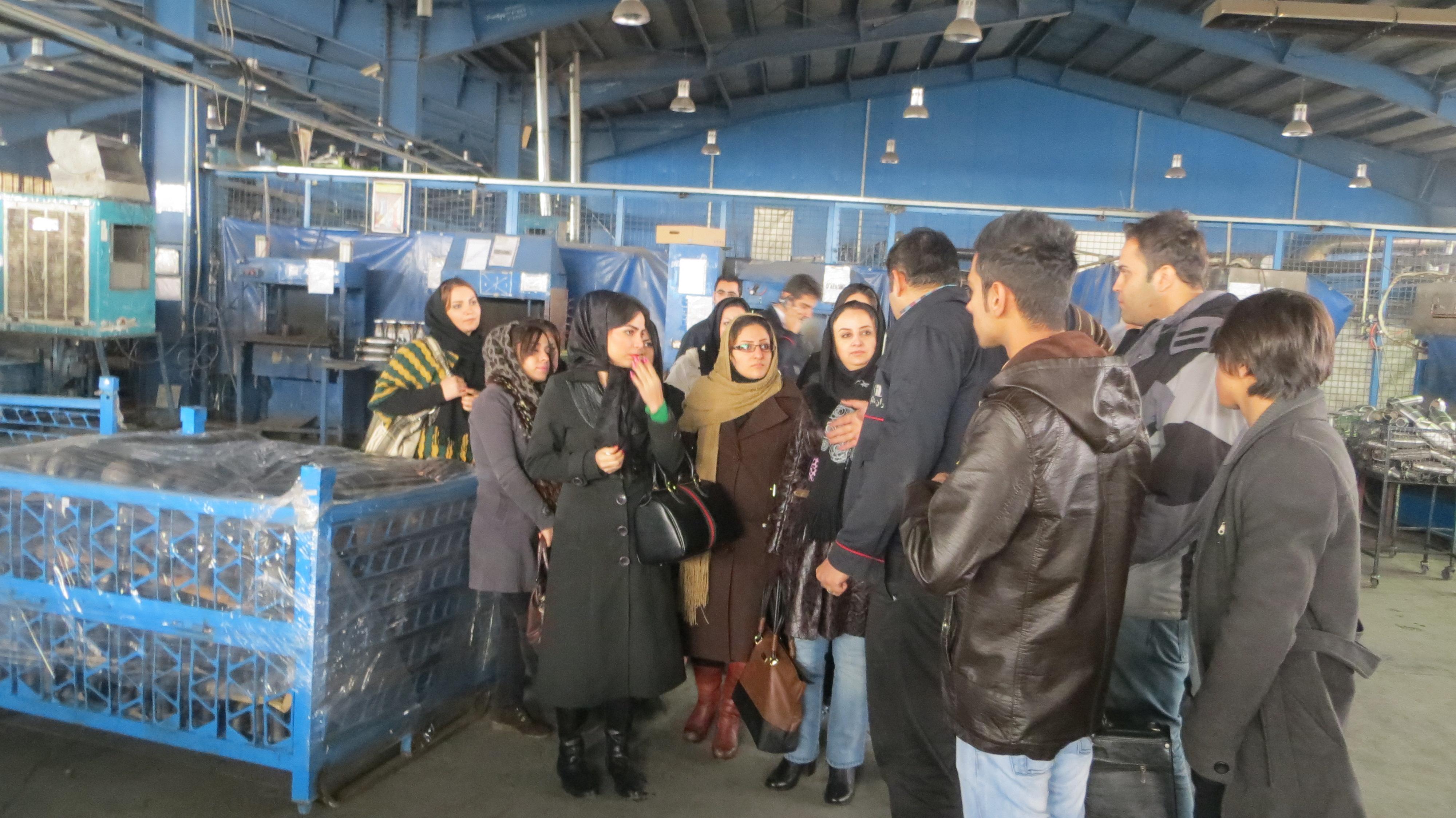تصاویر بازدید کارورزان از کارخانجات صنعتی