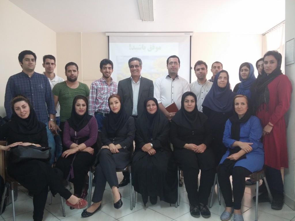 شرکت کنندگان خوشحال وراضی کارگاه نوابغ حسابداری